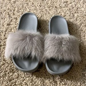 New!! UGG Royale Fur Slides, 8
